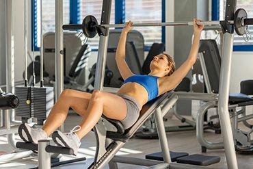 3 TIPY na efektivní cviky pro hezčí a větší prsa
