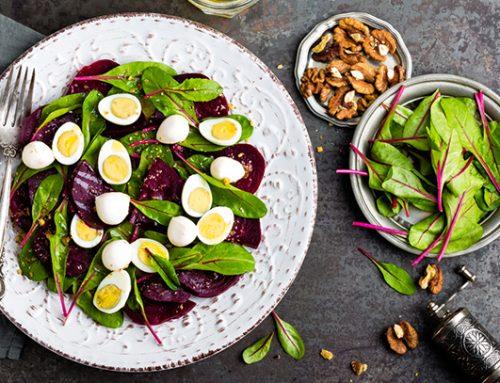 Oblíbené recepty na vajíčkový salát, které musíte vyzkoušet